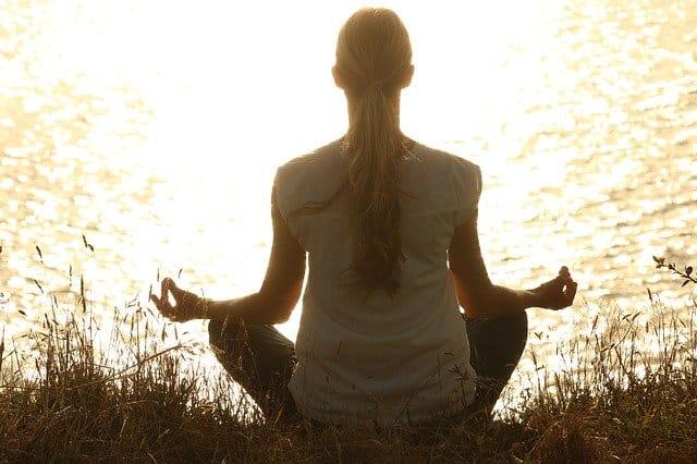 Cours de yoga individuels : les avantages et inconvénients
