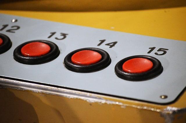 bouton rouge de console video