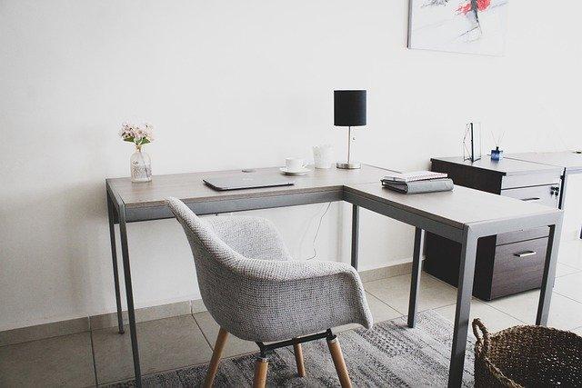 fauteuil dans un bureau